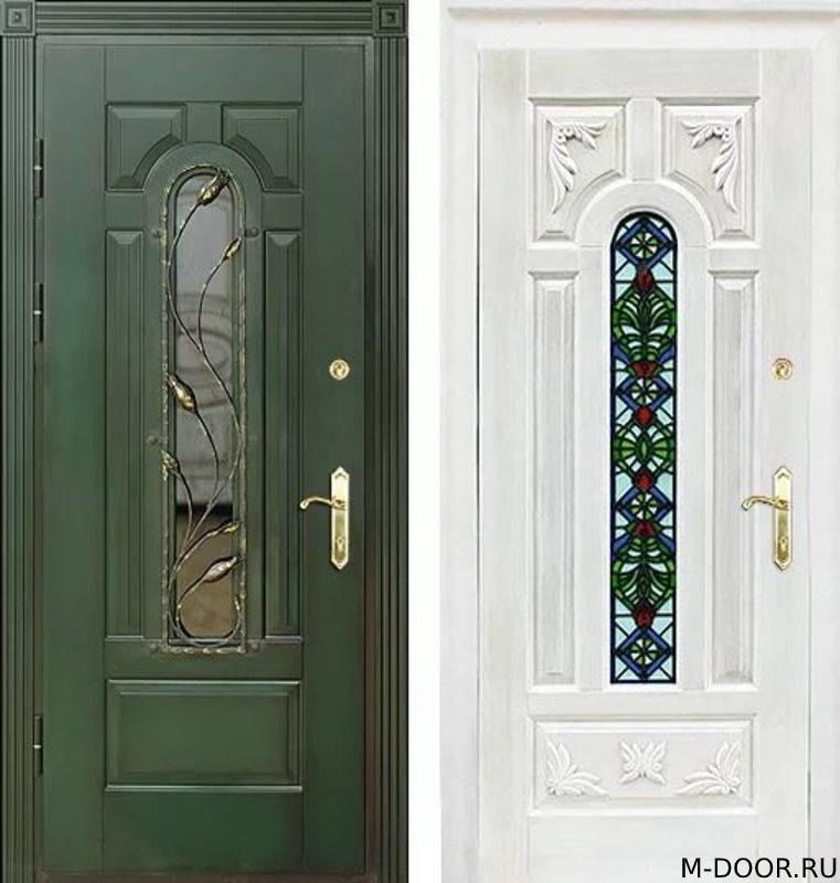 Стальная дверь с отделкой массив с ковкой и стеклом