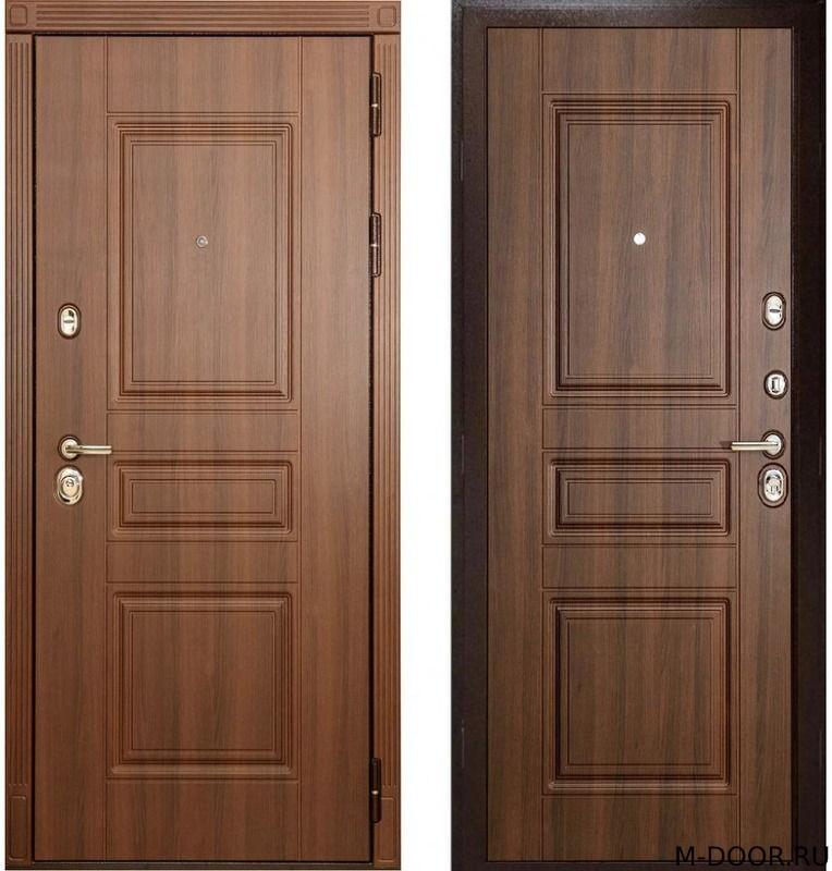 Металлическая дверь с отделкой массив