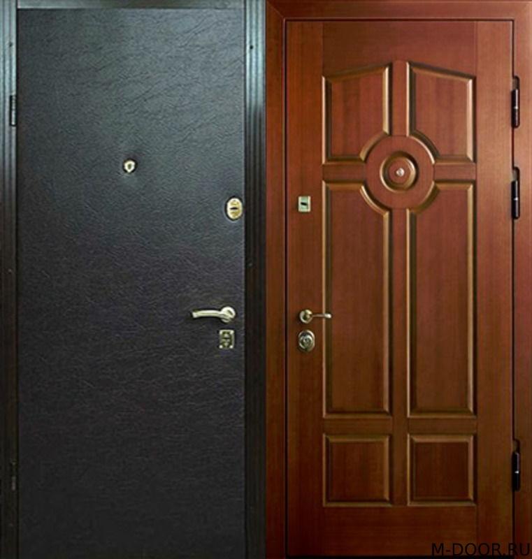 Стальная наружная дверь с отделкой винилискожа и МДФ